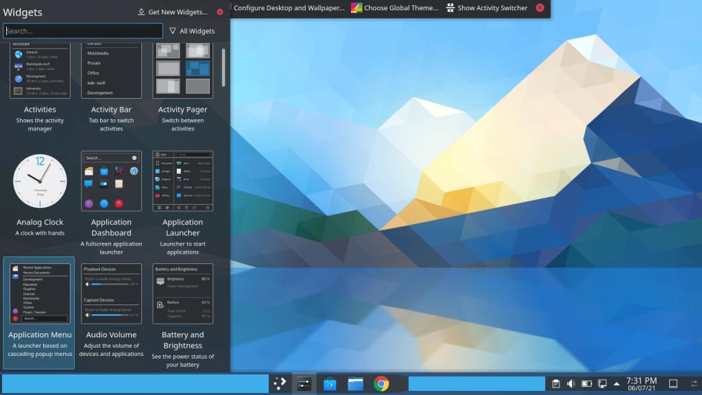 KDE Plasma Desktop Offers A More Complete And Customizable Desktop